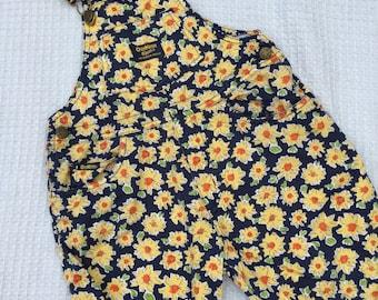 Vintage/retro OshKosh sunflower short overalls/dungarees. Size 3.