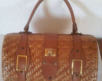 Vintage wicker basket handbag