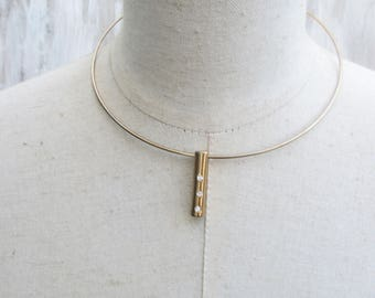 Vintage Gold tone Wire Collar Necklace, Stick Pendant