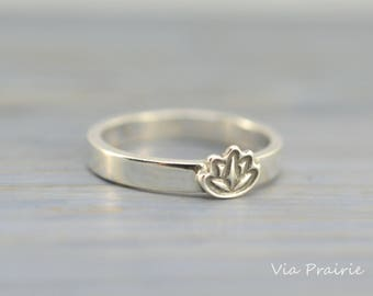 Lotus flower ring, Yoga Lotus ring, Yoga pinky Ring, Zen ring, Zen gift for her, Lotus flower jewelry, Yoga OM jewelry, Solid 925 silver
