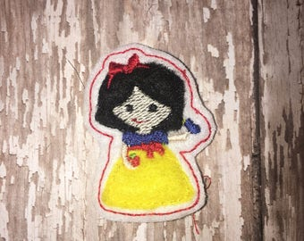 Set of 4 Snow White Princess Cutie Feltie Felt Embellishment Bow! Snow White and Seven Dwarfs Hair Bow Planner Clip Birthday Party Felties