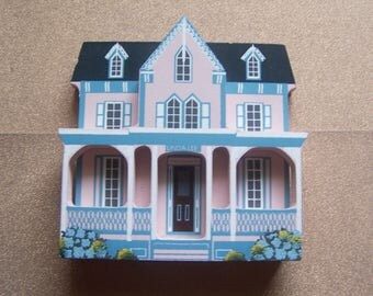 Wooden Shelia 1993 Cape May New Jersey Linda Lee pink house figurine