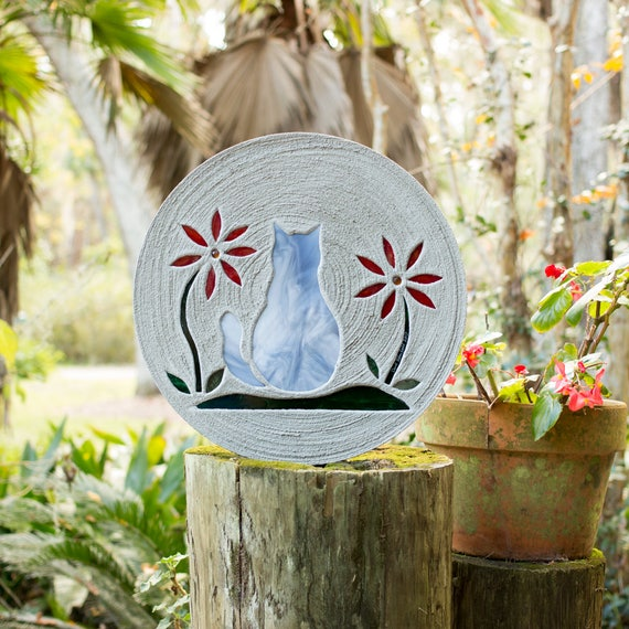 """Gray Tabby Kitty Cat Stepping Stone, Large 18"""" Diameter Made with Concrete and Stained Glass, Perfect for Your Garden or Pet Memorial"""