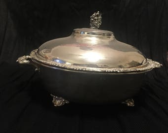 Beautiful Silver Plate, covered vegetable bowl, vintage,