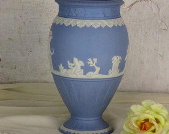 """Vase Wedgwood Jasperware Baby Blue Lavendel cherubs muses mythology 7.87"""""""