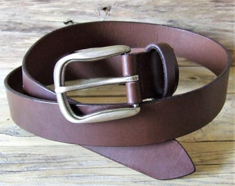 """Brown leather belt, hand sewn in """"point Sellier"""" custom, 3.3 cm in width"""