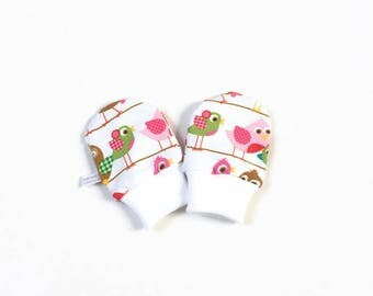 Scratch mitts. Mittens with cuffs. Shower gift. White knit fabric with birds in pink and petrol Baby girl no scratch mitts