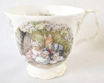 Poppy's Babies tea cup - RARE Brambly Hedge - full size - 1995 - Royal Doulton