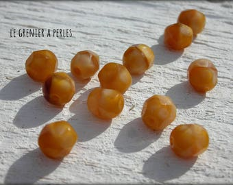 Faceted Bohemian 6 mm Cream Caramel X 20