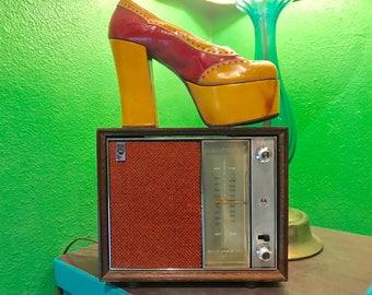 Vintage radio/ 70s radio/ Motorola radio/ plug in radio/ orange and brown/ mid century radio/ retro radio/ AM FM radio