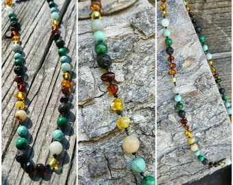 Infant/child necklace with amber and/or various stones