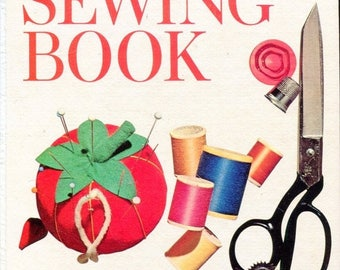 SUMMER SALE 1970s Better Homes and Gardens Sewing Book Hard Cover Loose Leaf