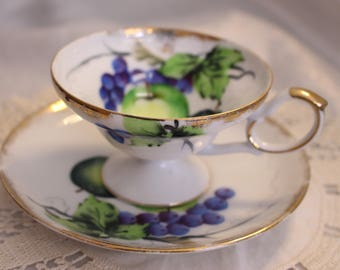 Vintage Wako China Tea Cup and Saucer, Occupied Japan, Fruit Pattern Hand Painted Gold Rim