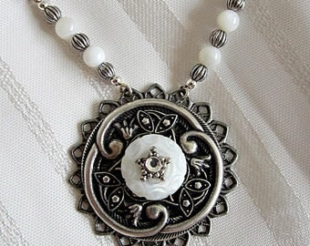 Vintage Shell Button Necklace, Button Jewelry, Silver Button Shell Pendant, Vintage Mother-of-Pearl Button, Vintage Wedding, Old Buttons