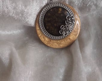 Brown floral cabochon silver plated metal and resin wood pendant