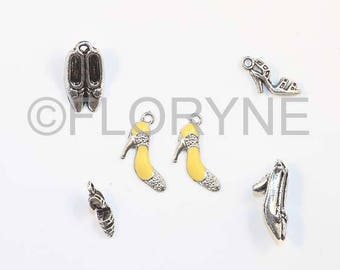 6 charms pumps and sandals in silver Metal Charms