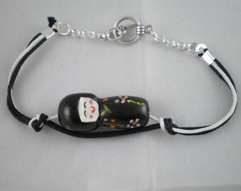 Bra030 - Black and white Bracelet with kokeshi doll