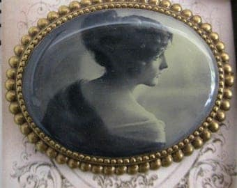 Large shabby chic brooch