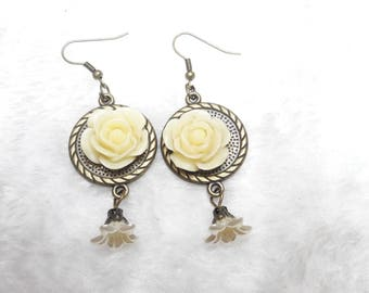 Pretty cream Rose earrings