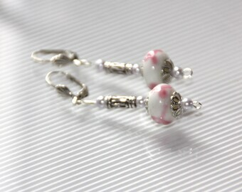 Earrings mother of pearl, glass beads and silver plated
