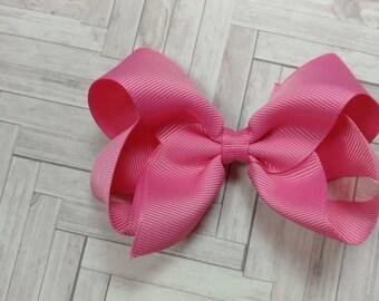 Toddler 4 in bubblegum pink hair bow. Bubblegum hair bow. 4 inch bows. Toddler bows. Girl pink bow. Bubblegum pink bow. Hair bows. Bow.