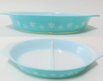 Vintage Pyrex Turquoise Snowflake Oval Divided Casserole Dish 1.5 QT
