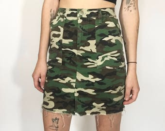 Deadstock Y2K High Waist Stretch Camo Skirt
