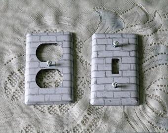 Wall Plate - Metal -  White Brick
