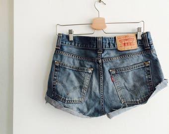 Vintage Levi's cut off | Levi's jeans | Levi's shorts | vintage Levi's | levi's 512 | levi's W31 | levi's M
