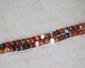 10 small faceted agate and onyx orange/red/white 4mm