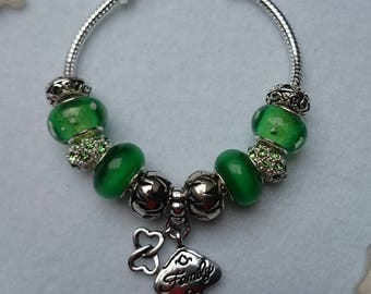 Charm's Green charm bracelet with Family ref 293