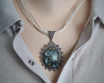 Blue metal roses necklace pendant