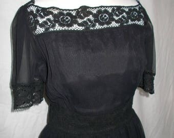 summer sale Vintage black lace dress 40s 50s Evening dress size small