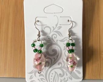 Perle en verre boucles d'oreilles rose et vert