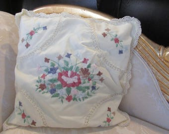 EMBROIDERED PILLOW SHAM and Pillow