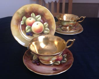 Beautiful Coalport bone china cabinet trio. . Fruits. Signed by artist. High gilding. (set 6)
