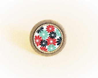 Adjustable silver ring and pendant red/blue roses on white background