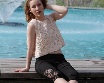 Black Lace - Capri pants model Albane
