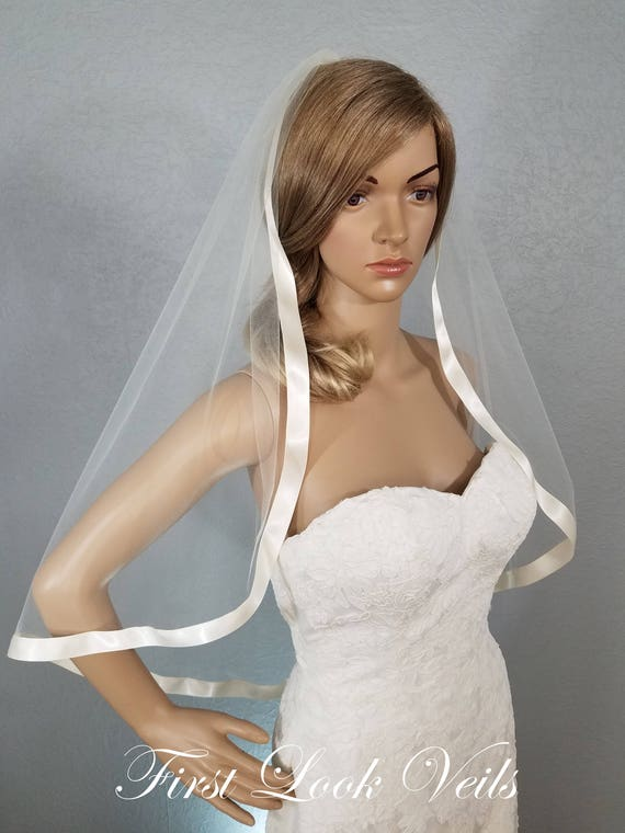 Bridal Veil Ivory, Bridal Veil, Ivory Veil, Ivory Veil Hip, Veil with Ribbon, Viel