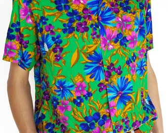 Vintage 1960s Floral Hawaiian Short Sleeve Button-Up / Size (L)