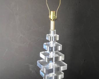 Impressive tall lucite lamp in the style of Karl Springer
