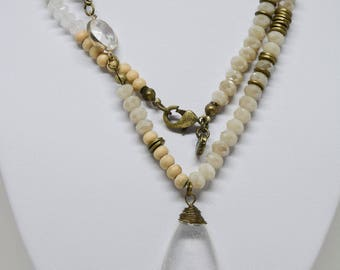 Gorgeous Lucite Glass Necklace