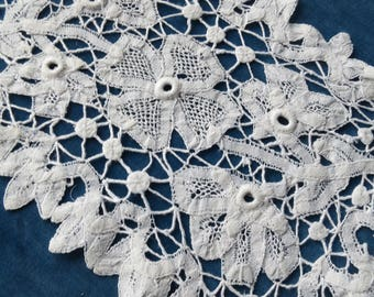 Sweet Antique Edwardian Tape Doily Mat