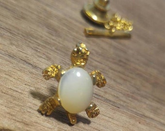 Mother of Pearl Jelly Belly Turtle Tie Tack Goldtone