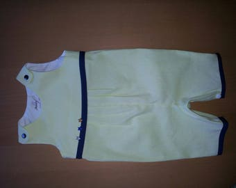 Overalls short clipped, quilted cotton lime with thin white stripes