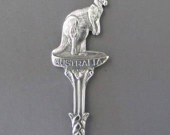 Kangaroo on top  AUSTRALIA Collectible Souvenir SPOON Travel Souvenir