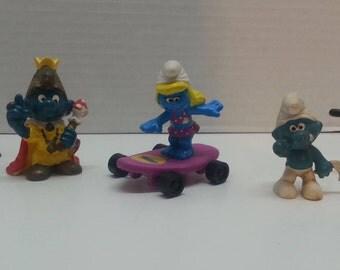 Vintage Peyo Schleich Smurf Lot of 5 King Smurf Cook Telephone Smurfette