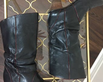 """1980s Black Leather Boots - Slouch Cowboy Boots - Burgundy Trim - Low 2.25"""" Heel - Size 6 US By Hanna - Made In Canada - Vintage Boho Boots"""