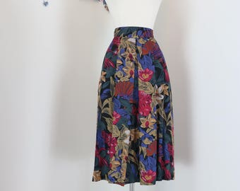 "1980s Skirt - Floral Pleated - Classic Multicoloured Midi - Full Flare Skirt - Pockets - Blue Black Red Yellow - Size Small 27"" Waist"