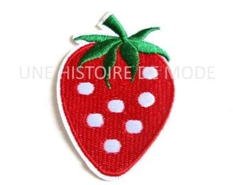 Strawberry patch, badge, fusible applique to sew or iron 81 x 55 mm - Strawberry embroidery applique